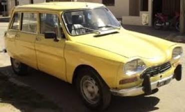 Autos clásicos llegan a Empedrado
