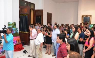 Exposición de Arte y Pintura de la Profesora Laura Flores en el Teatro Dora