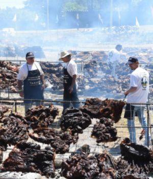 Uruguay preparó el asado más grande del mundo
