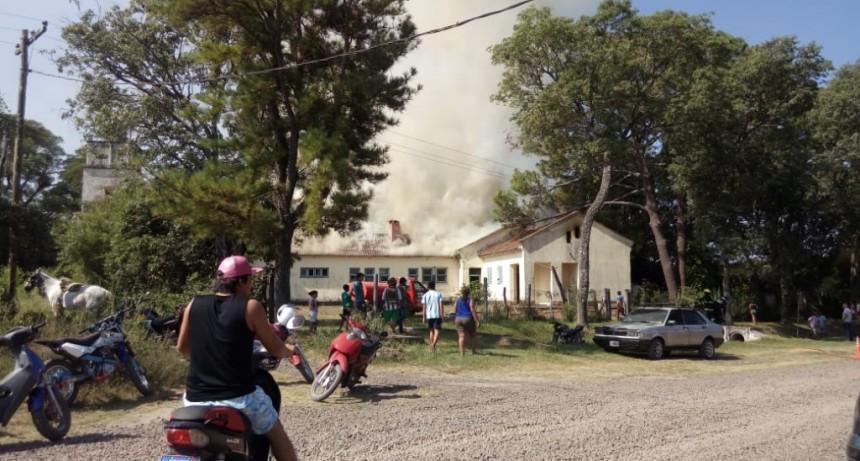 Se incendió la escuela N° 448 de Parada Coco