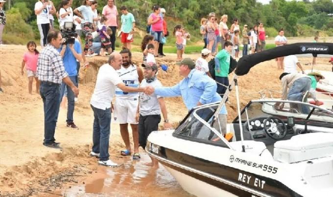 Pescadores de Paso de la Patria ganaron el concurso de la boga