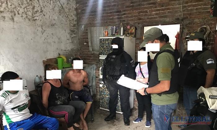 Apresaron a personas por ventas al narcomenudeo e incautaron drogas y arma