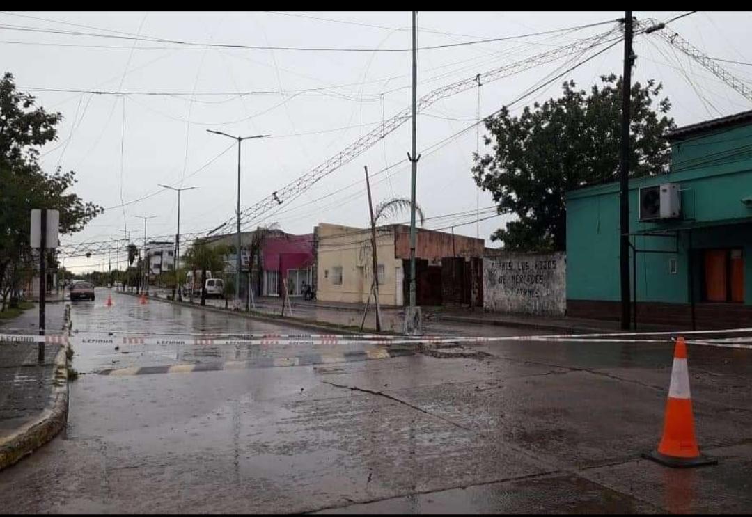 Otra vez, tormenta causa destrozos en Empedrado